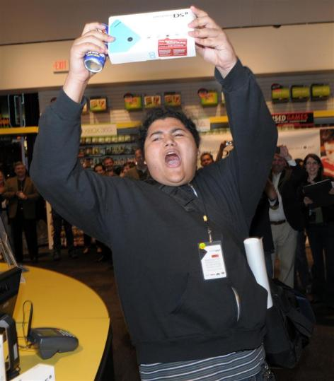 Nintendo DSi Midnight Launch Event at Universal CityWalk - 4