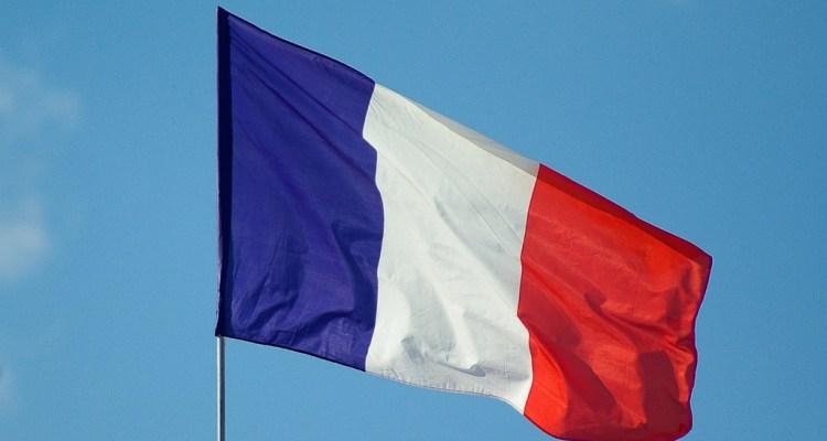 Sprint y Verizon ofrecen llamadas y textos gratuitos a Francia por los ataques en París