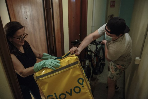 coronavirus vulnerables crisi Jacqueline glovo aliments - Sergi Alcazar