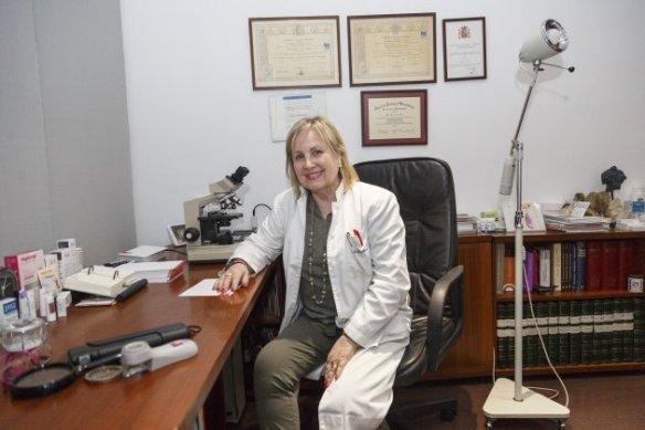 Dermatologa Lola Bou - Sergi Alcàzar