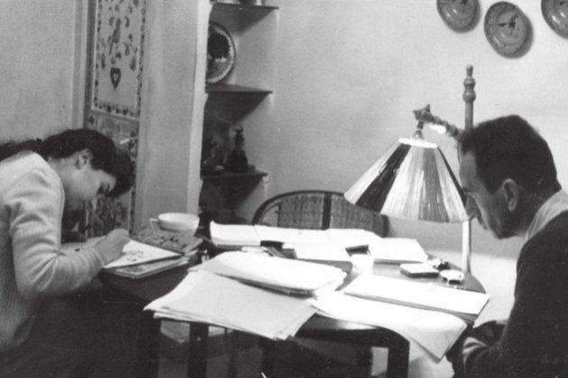 Joan Sales i la seva neta Maria Bohigas/Arxiu Joan Sales