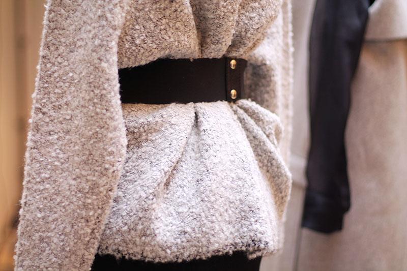 detail pull gris