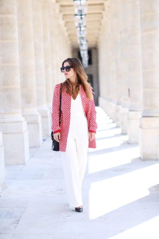manteau rouge et blanc