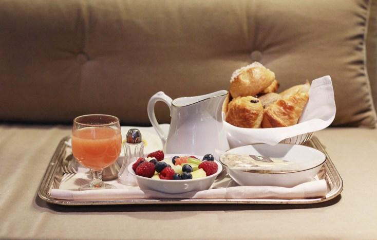 breakfast pavillon de la reine