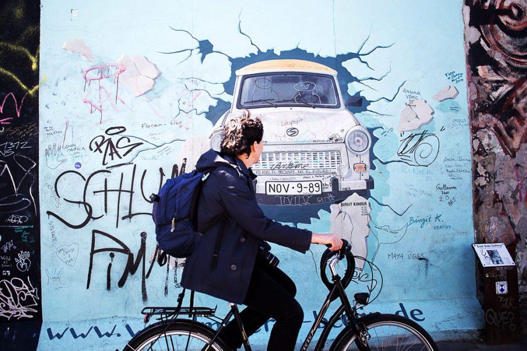 150508 eastsidegallery3 A nous deux Berlin !