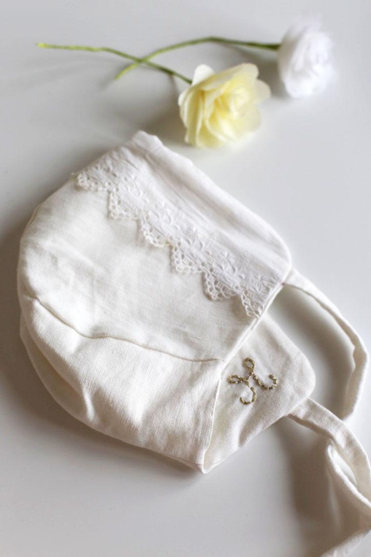 160404 beguin vintage  Petit look de cérémonie en blanc, en rose et en broderies