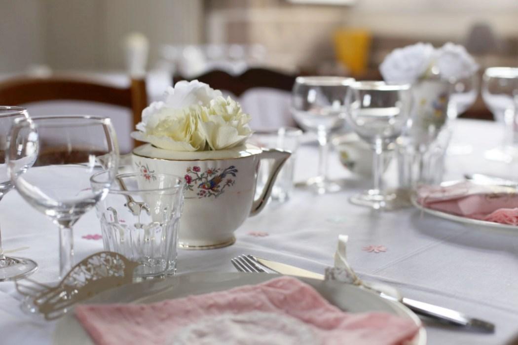 160411 tables vintage2 Table de baptême tendre et vintage