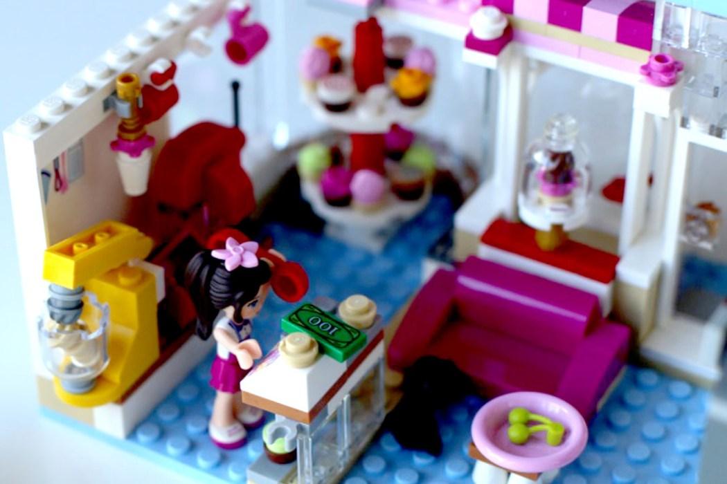 160424 legofriends caisse cupcake Ca casse les briques : Le cupcake Café d'Heartlake City Legofriends