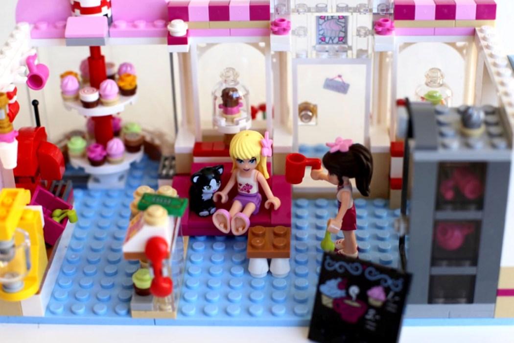 160425 legofriends cupcake 8 Ca casse les briques : Le cupcake Café d'Heartlake City Legofriends