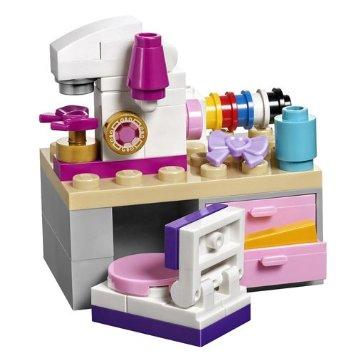 160426 atelier de couture legofriends Ca casse les briques : Le cupcake Café d'Heartlake City Legofriends
