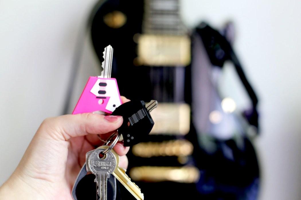 160606 porte clefs guitare Concentré de vie #34