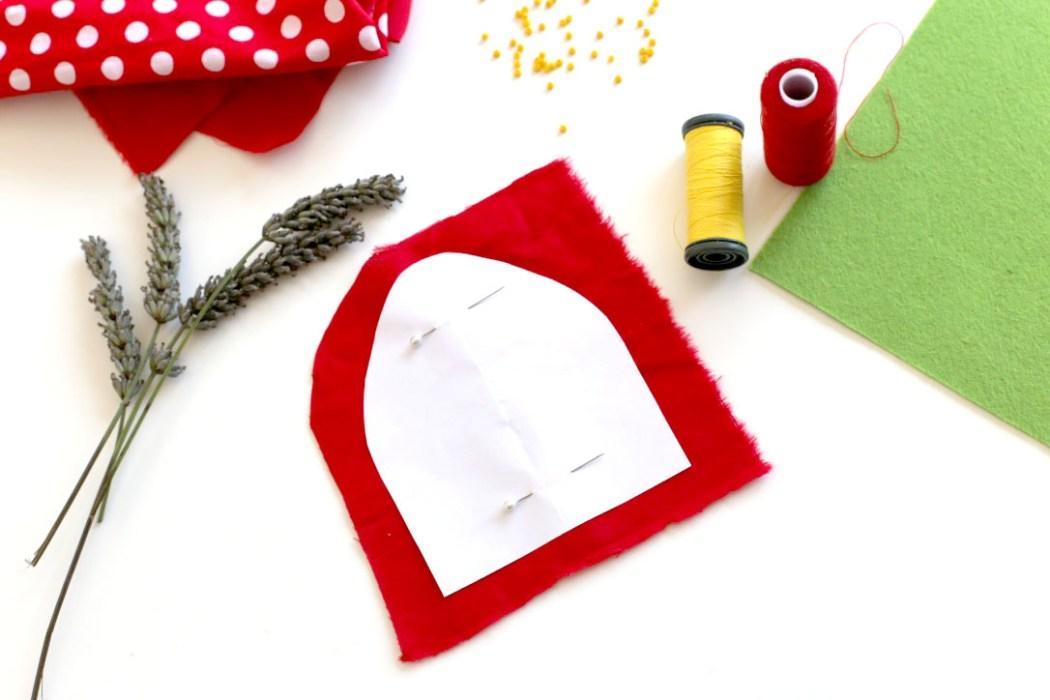 160912 sachet lavande fraise kawaii 4 Une petite fraise parfumée à la lavande à glisser dans son armoire