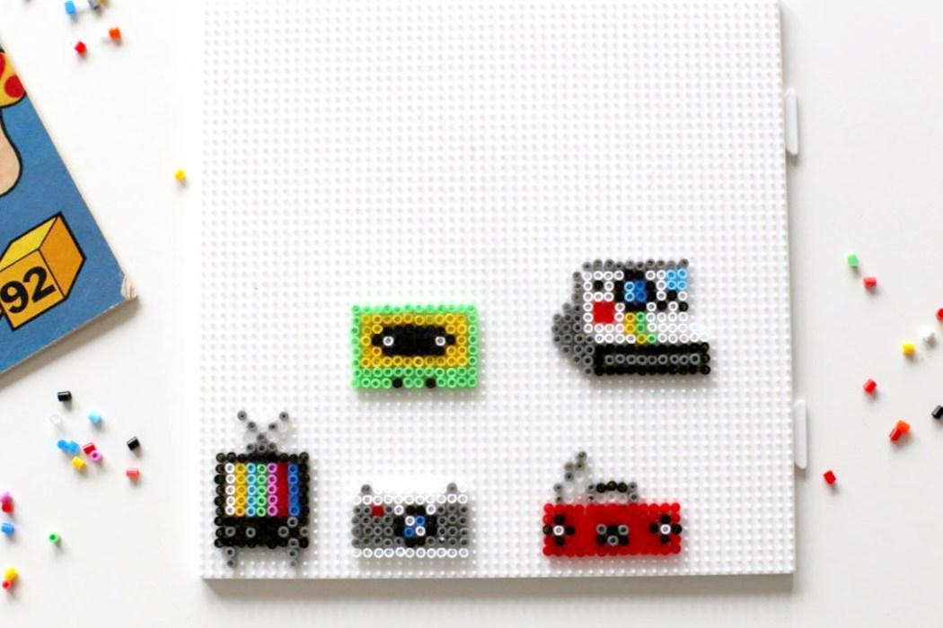 170125 perles hama electronic vintage Mes badges electronic design en Mini perles Hama