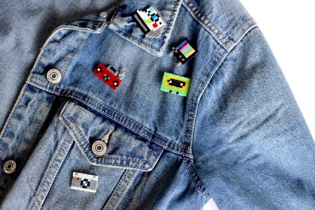 170125 perles hama mini vintage electronic jeans badge Mes badges electronic design en Mini perles Hama
