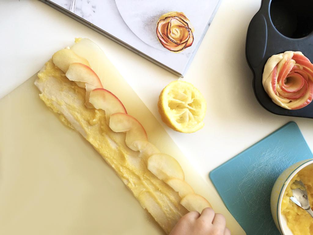 170419 rose tarte Citron + Pomme + Mercredi = Des roses tartes au Lemon Curd !