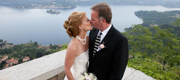 Outdoor-Wedding-ceremony-overlooking-Lake-Orta-Italy