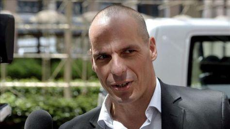 Varufakis: 'Quienes dieron el golpe de Estado me quieren juzgar por traición'