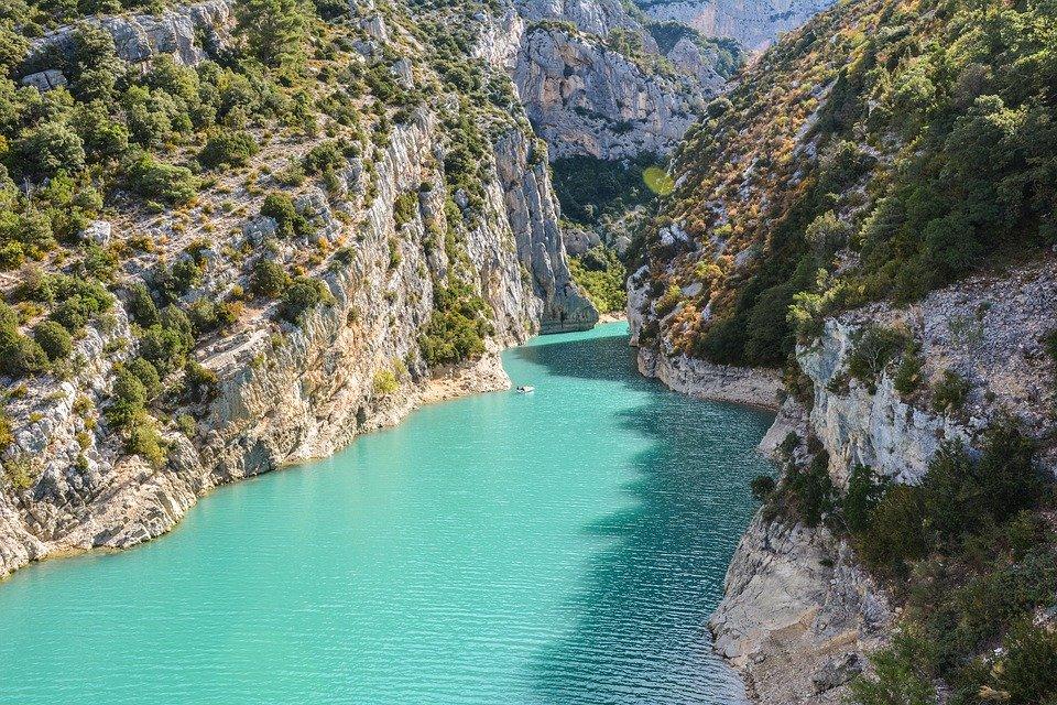 Gorges du Verdon vue aérienne eau bleue turquoise