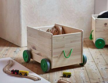 Mobiliario, vehículos sin motor, libros y juegos