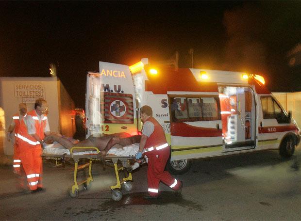 Un camionero salta de su veh�culo en llamas - Quemaduras de segundo grado
