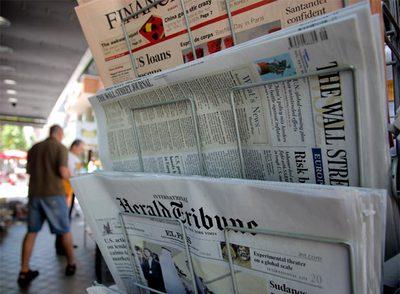 Los periódicos luchan por evitar la caida de ventas