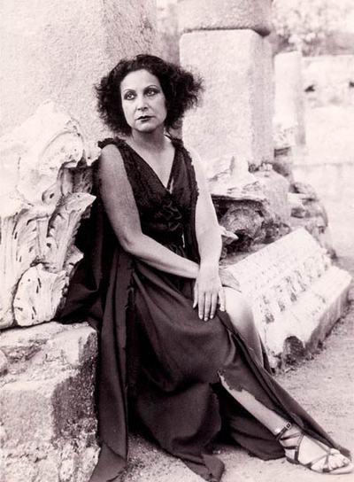 La actriz Margarita Xirgu, durante la representación de Electra