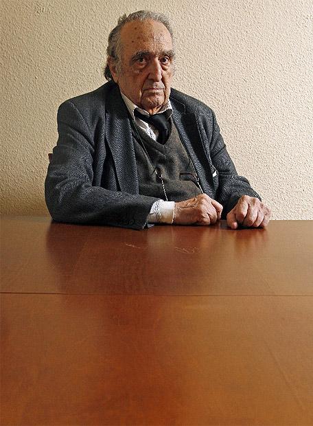 Rafael Sánchez Ferlosio  - Ampliar imagen