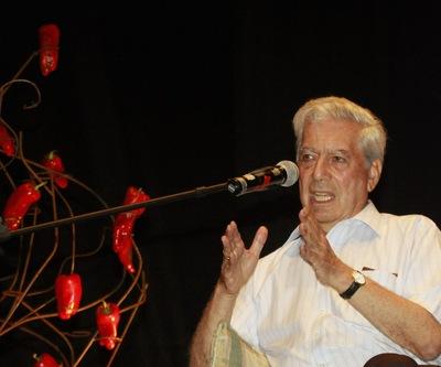 Mario Vargas LLosa, durante su participación en la cita literaria