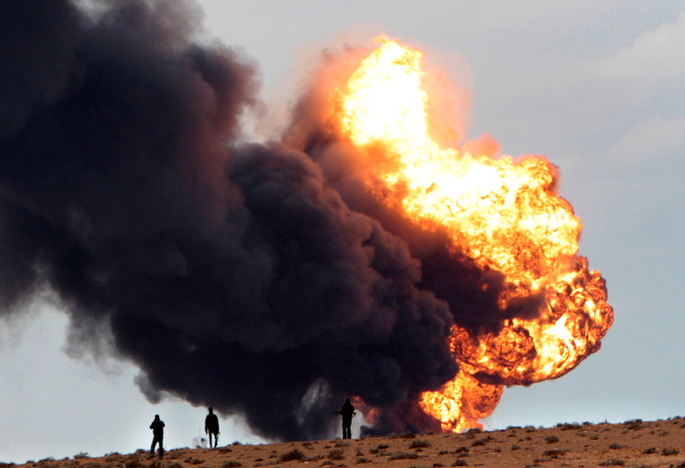Combates en Libia  - Explosión