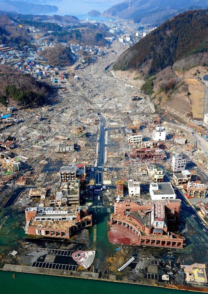 La crisis más grave desde 1945  - Devastación en Onagawa
