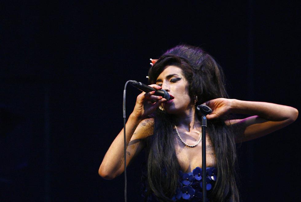 Amy Winehouse cantando