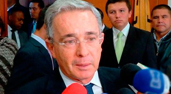 Supremo colombiano pide investigar a Álvaro Uribe por posible manipulación testigos