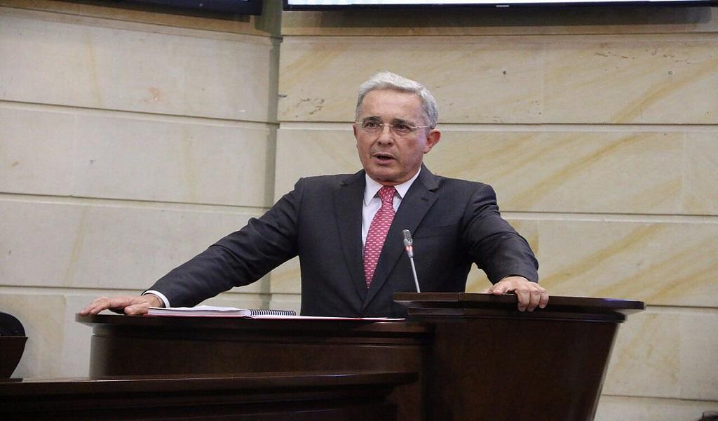 Denuncia Álvaro Uribe filtraciones en investigación en su contra (Nota y video)