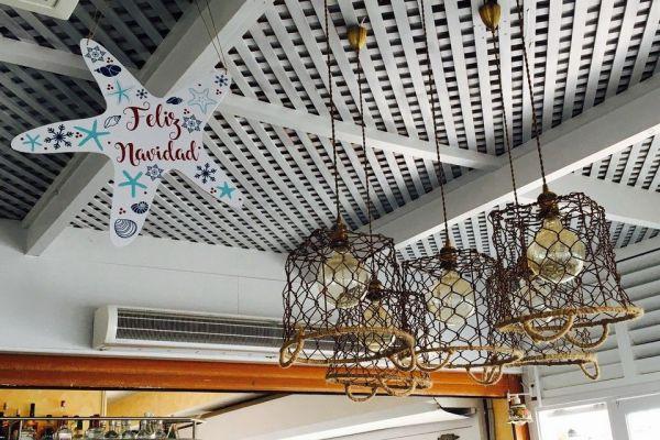 Decoración navideña del restaurante Mar de Tapas