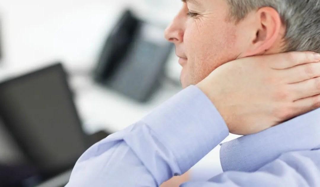 Le cause e sintomi delle malattie associate a mal di testa