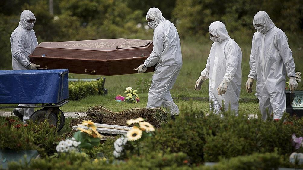 Pandemia-Brasil: 1.322 muertos y 54 mil infectados en 24 horas