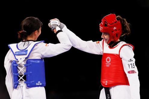 La taekwondista española Adriana Cerezo Iglesias durante su combate frente a la china Wu Jingyu of China hoy durante los JJOO de Tokio. EFE/ Miguel Gutierrez