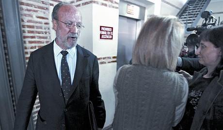El alcalde de Valladolid, Francisco Javier León de la Riva, ayer, en la sede de la FEMP.