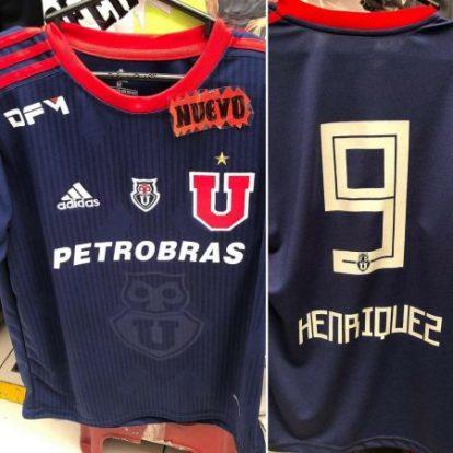 12a07e605c900 La camiseta que se filtró se podrá ver el nombre de Ángelo Henríquez  estampada en su espalda. A continuación pueden ver las imágenes reveladas.