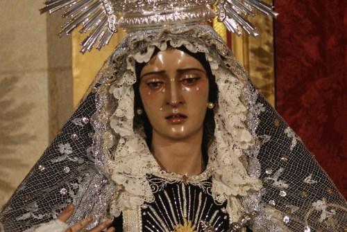 La Virgen del Desamparo, Dulce Nombre, Paz en su Mayor Aflicción y María Madre de la Iglesia ataviadas para los Fieles Difuntos