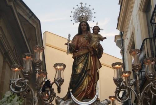 """A PIE DE PASO: """"La Virgen del Rosario del Beaterio entrando en Pozuelo"""""""