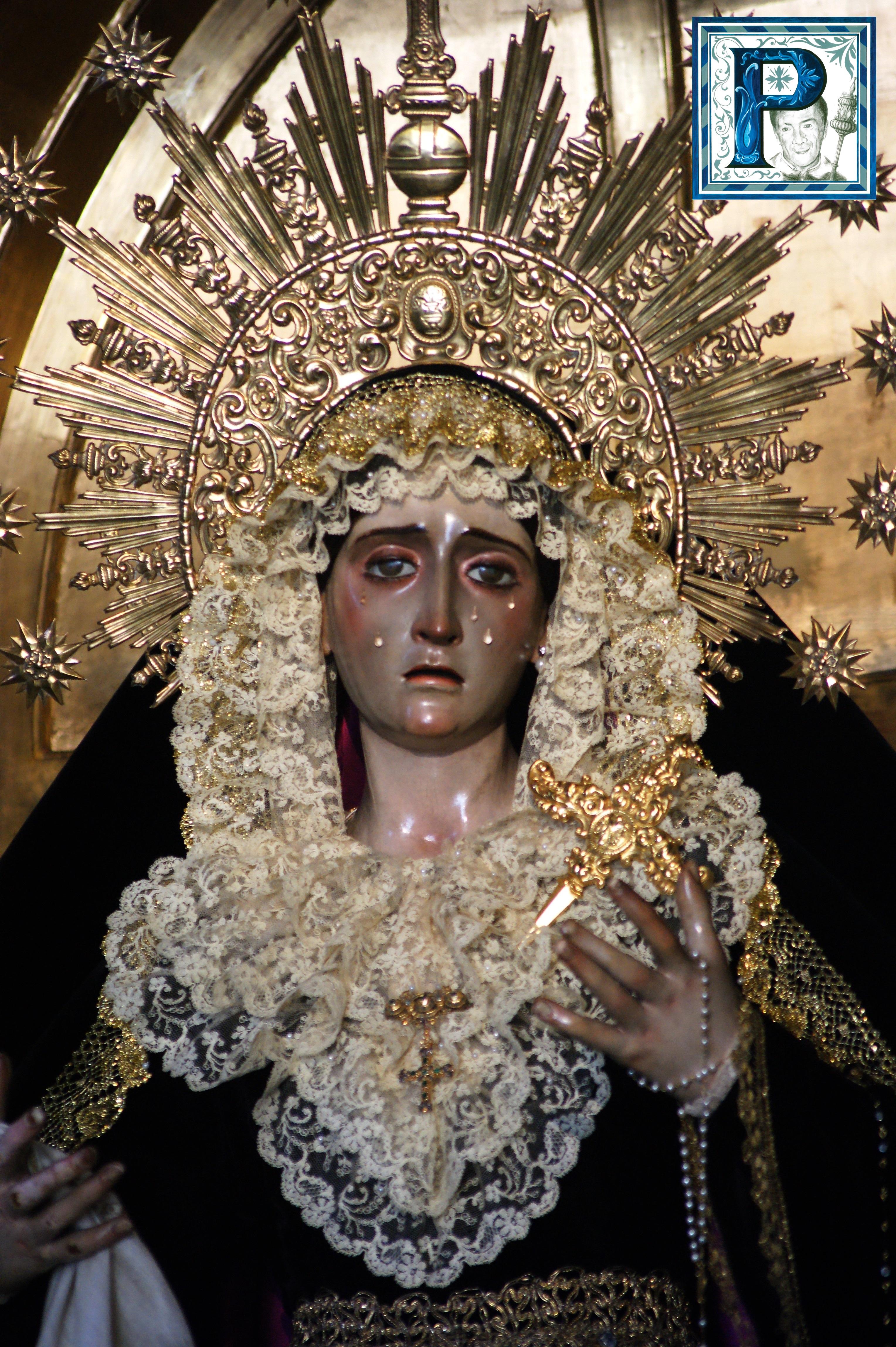 La Virgen de la Esperanza de la Yedra Coronada, Confortación y Soledad ataviada para la festividad de los Fieles Difuntos
