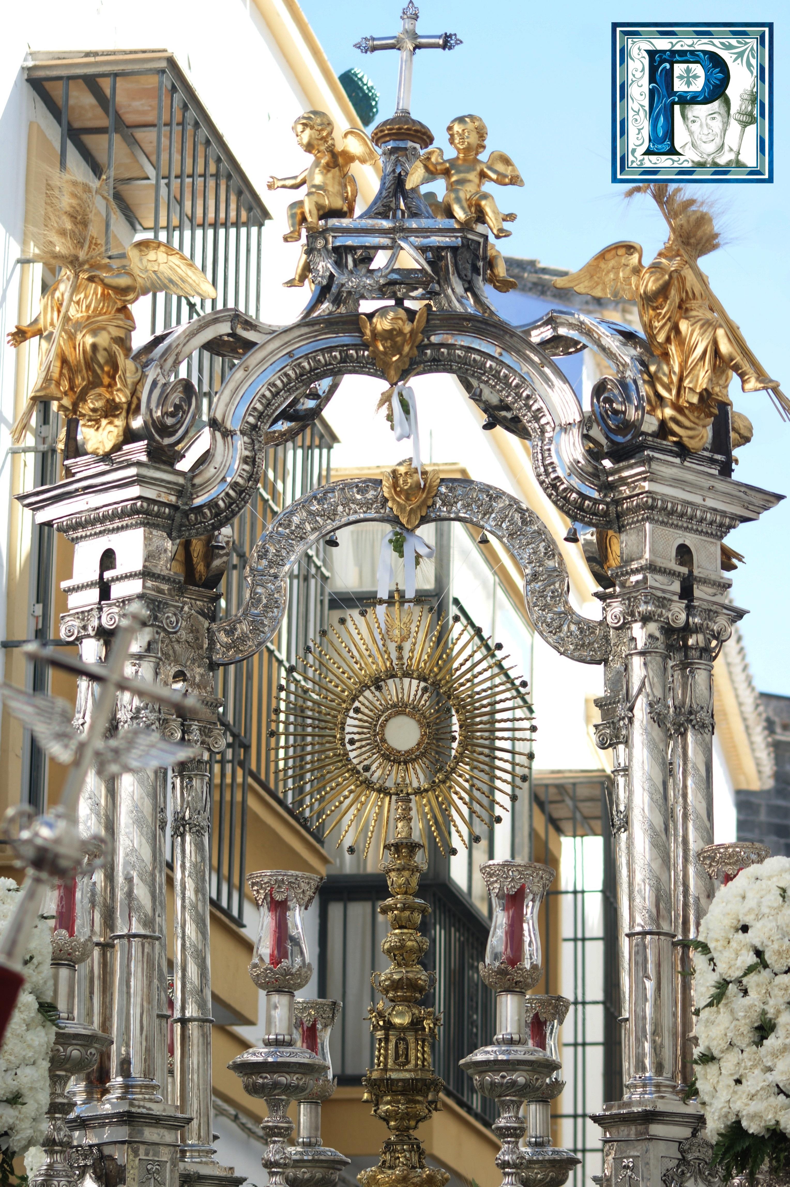 Cultos sacramentales en la Hermandad del Santo Crucifijo