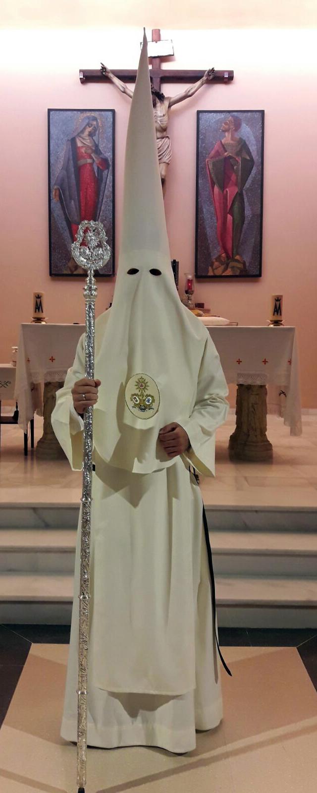 La Hermandad de la Misión anima a sus hermanos a vestir la túnica nazarena