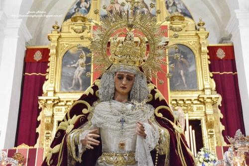 El besamanos de la Virgen de las Lágrimas en imágenes