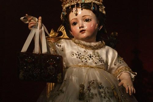 Besapiés al Niño Jesús en el Carmen