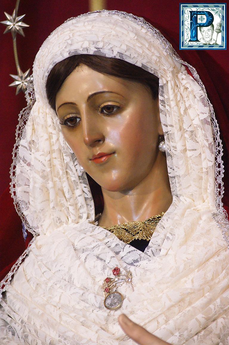 La Virgen del Rosario de Capataces y Costaleros, Luz, Soledad, y Tristezas ataviadas para Cuaresma. Por Lucas Álvarez
