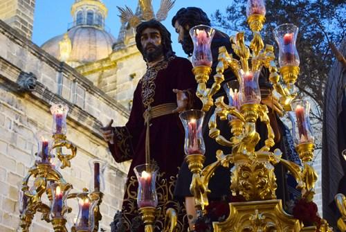 A PIE DE PASO: «El Señor de la Clemencia en Tornería»