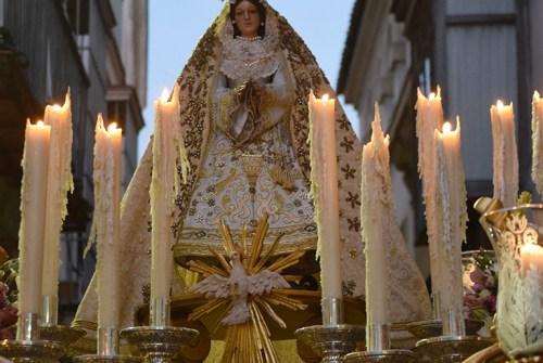 Procesiones en vísperas de Pentecostés
