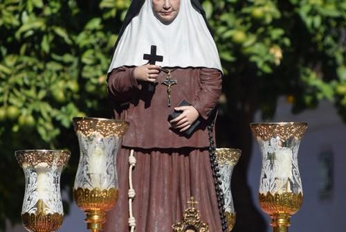 """""""Madre Ángelita"""" recorre las calles del Pelirón"""
